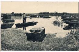 SAINT AIGNAN De GRAND LIEU  44  Le Lac Avec Pecheur A Reconaitre . Bateau Viviers . - France