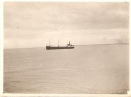 Photographie De La Somme, Cargo Dans L'estuaire, Cliché Vers 1935, Bon état - Lieux