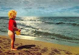 West-Vlaanderen Belgische Kust   Kind Met Emmer Aan De Waterlijn Van De Zee       Barry 3218 - Non Classés