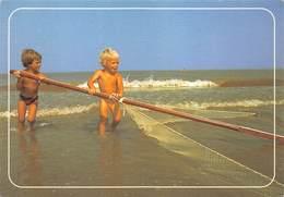 West-Vlaanderen Belgische Kust Noordzee  Kinderen Vangen Garnalen Vissen   Barry 3242 - Non Classés