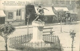 14* BAYEUX  Place Au Bois – Monument Aux Morts            MA99,1565 - Bayeux