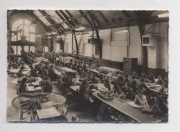 La Bénédictine à Fécamp - La Salle D'Etiquetage - PHOTO DES OUVRIÈRES Dans L Atelier - Métier - Animée - Industry