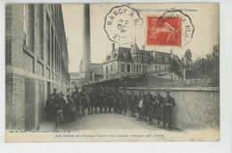 LA NEUVEVILLE LES RAON - Les Usines Et Château Amos Bien Gardés Pendant Les Grèves - Other Municipalities