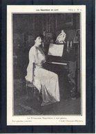 Les Napoléon En Exil. La Princesse Napoléon à Son Piano - Familles Royales