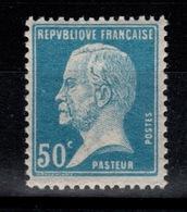 YV 176 N** Pasteur Cote 9,30 Euros - France