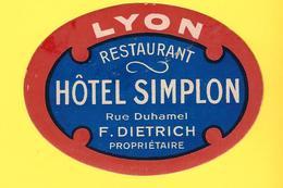 Étiquette Ancienne Pour Valise De L'HOTEL SIMPLON  à LYON - Etiquettes D'hotels