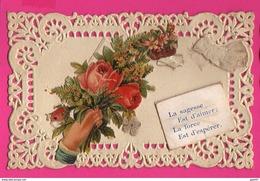 CPA  Dentelée Avec Découpie (Réf: Z2311)   (THÈME FÊTES VŒUX) Bonne Fête Bouquet De Roses Ruban - Autres