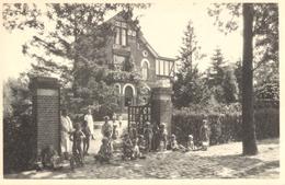 """Hoogboom - Villa """"Zonnelicht"""" Tehuis Voor Zwakke Kinderen - Voorgevel En Voorhof - Nels - Kapellen"""