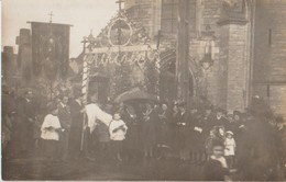 35 Landujan Carte Photo Procession Bannière De Saint Tudin Devant L'église, Entre Médréac Et Irodouer -50 - France