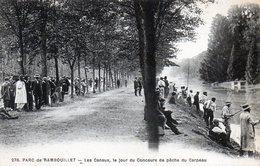 Rambouillet. Les Canaux, Le Jour Du Concours De Pêche Du Carpeau. - Rambouillet