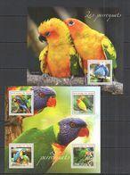 ST2727 2014 NIGER FAUNA BIRDS PARROTS LES PERROQUETS 1KB+1BL MNH - Papageien
