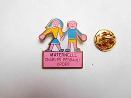 Beau Pin's , Ecole Maternelle Charles Perrault à Yport , Seine Maritime - Villes
