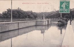 MERICOURT 78 / Entrée Dans L'Ecluse - France