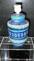 LAMPE DE CHEVET - DE TABLE ** BLU RIMINI ** DESSINEE PAR ALDO LONDI POUR BITOSSI - COULEUR BLEUE INTENSE -  CIRCA 1960. - Céramiques