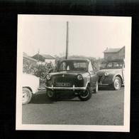 Photo 9x9 - Automobile Piaggio Vespa Et Citroën 2 CV - Coches