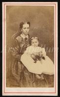 Photo-carte De Visite / CDV / Femme / Woman / Child / Enfant / Baby / Liège / 1866 / Elisa Hieguet / 2 Scans - Photos