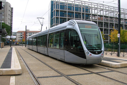 Toulouse (31 - France)  Tramway De Toulouse Ligne T1 – Terminus Arènes Novembre 2010 – Circulation En Essais - Tramways