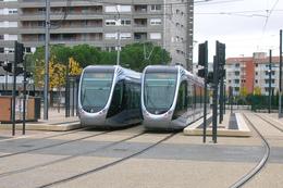 Toulouse (31 - France) Tramway - Ligne T1 – Terminus Arènes - Novembre 2010 – Circulations En    Essais - Tramways
