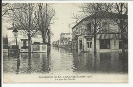 * Inondations De LA VARENNE ( Janvier 1910 ) , La Rue Du Cercle - Chennevieres Sur Marne