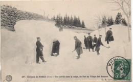 39 Environs De Morez - Une Corvée Dans La Neige  , Du Fort Au Village DES ROUSSES - France