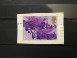 FRANCOBOLLI STAMPS GRAN BRETAGNA GREAT BRITAIN 1975 USED SU FRAMMENTO NATALE CHRISTMAS OBLITERE'  FRAGMENT - 1952-.... (Elisabetta II)