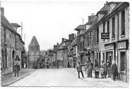 GOURNAY-sur-ARONDE....(oise)....café Du Centre...animée....garde-champetre....cpsm.... - Andere Gemeenten