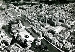 57 - Metz : Vue Aérienne, La Cathédrale, Sainte Segolène.... - Pilote Opérateur R.Henrard - Metz
