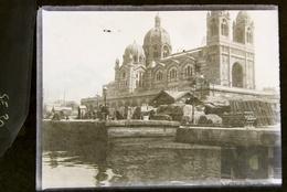Plaque De Verre -   Au Port , à Identifier ? Vue Animée 1901 - N° SE30 - Glasplaten