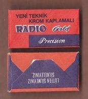 AC - RADIO GOLD PRECISION BLADESHAVING RAZOR IN UNOPENED BOX - Scheermesjes