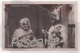 CP MUSICIENS NEGRES - M. M. N°6 - EDITION RESERVEE M. MAURER SOUSSE TUNISIE - ECRITE EN 1936 - Musica E Musicisti