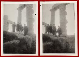 B-39880 SOUNION Greece 1930s. Μen In The Temple Of Poseidon, Lot Of 2 Photos - Anonieme Personen