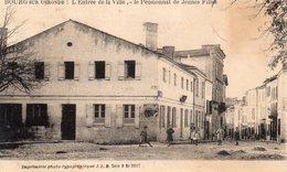 BOURG-SUR-GIRONDE- Le  Pensionnat De Jeunes Filles. - Autres Communes