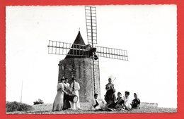 13. Fontvieille. Moulin D'Alphonse Daudet ( 1814). Groupe Folklorique De Provence. 1957 - Fontvieille