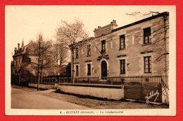33. Guîtres. La Gendarmerie - Autres Communes