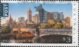 2018 AUSTRALIA MELBOURNE DOWNTOWN SKYLINE POSTALLY USED $3 INTERNATIONAL Sheet Stamp YT No. 4670 - Oblitérés