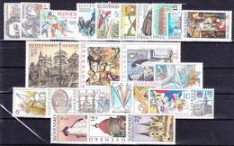** Slovaquie 2002 Mi 414-443, (MNH) L'année Complete - Slovakia