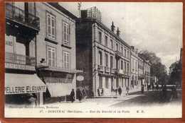 24 CPA De BERGERAC  Rue Du Marché Et La Poste   Très Bon état - Bergerac
