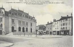 71 MACON     Place De La République  Autrefois De La Pyramide - Macon