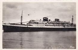 BATEAUX Algerie Le Courrier De France Sortant Du Port De Philippeville - Passagiersschepen