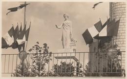 """CARTE PHOTO:VARISCOURT (02) MONUMENT MILITAIRE """"PASSANT ARRÊTE ET SOUVIENS TOI"""" - Otros Municipios"""