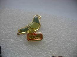 "Pin's Du Restaurant ""l'Etoile  Filante"" à STEINSELTZ. Pigeon - Levensmiddelen"