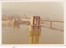 Photo Polaroid - Kodak : SAINT-VALLIER-sur-RHONE - Drome : Destruction De L'ancien Pont Sur Le Rhone - 12,5cm X 8,5cm - Lieux