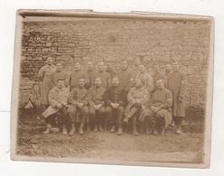 MILITARIA - PHOTOGRAPHIE ORIGINALE 1917 - BRANCARDIERS ET MEDECIN DU 3° BATAILLON - SERVICE DE SANTE - A IDENTIFIER - Guerra, Militares