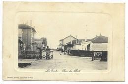 33-LA TESTE-Rue Du Port...1910  Animé  Passage à Niveau...  (léger Pli) - Autres Communes