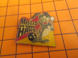 919 Pin's Pins / Beau Et Rare / Thème SPORTS / BOWLING LAPIN LIEVRE MISSED BY A HARE ! - Bowling