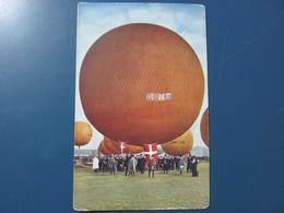 Carte Postale Montgolfières Ballons Dirigeables à Identifier - Montgolfières