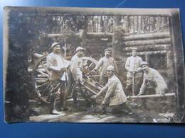 Carte Postale Soldats Poilus Au Canon - Guerre 1914-18