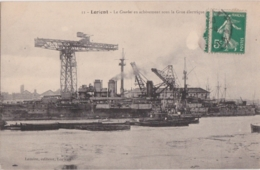 Bv - Cpa LORIENT - Le Courbet En Achèvement Sous La Grue Electrique - Lorient