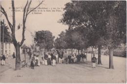 Bv - Cpa LORIENT - Le Cours De Quais, Pris De L'Ecole Et De La Salle Des Fêtes - Lorient
