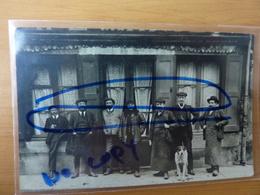Cpa Vers 1905-1910 Monistrol-sur-Loire Haute Loire Personnage Devant Un Café Baudin Frères Et Vergnaud Cités - Monistrol Sur Loire
